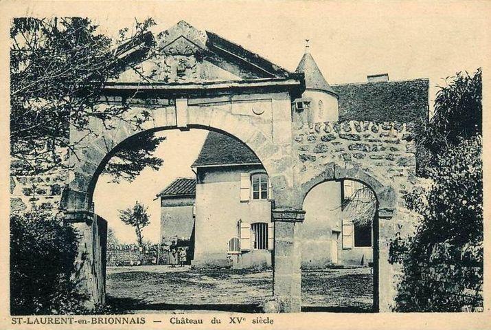 St-Laurent-en-Brionnais, château du XVe siècle