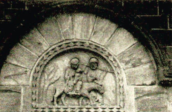 Tympan de la porte méridionale de l'église de Bois-Ste-Marie