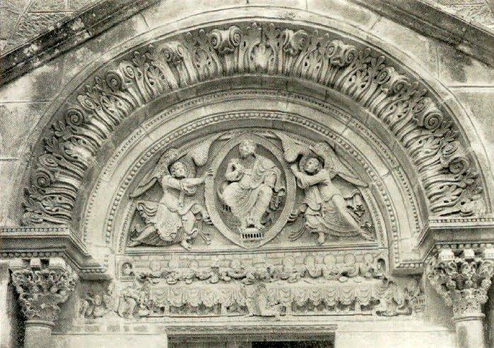 Tympan de l'église de St-Julien-de-Jonzy
