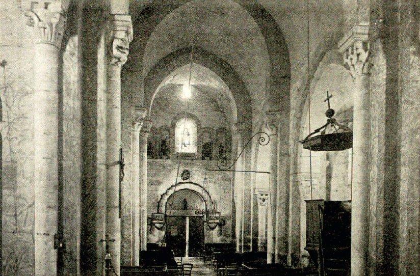 Intérieur de l'église de Varenne-l'Arconce
